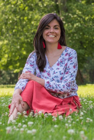 Bajo la Carpa Roja - Carmen Lorenzana