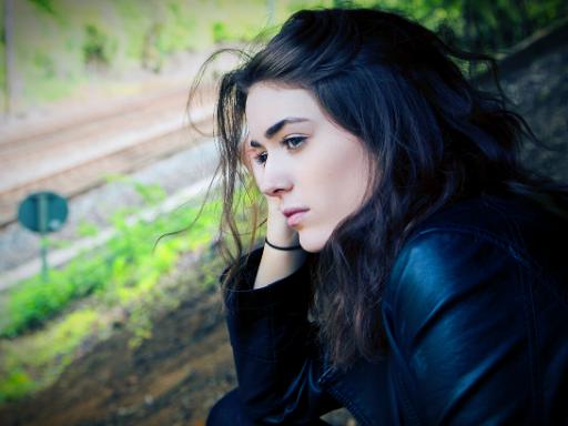 Bajo la Carpa Roja - Salud mental y el ciclo menstrual